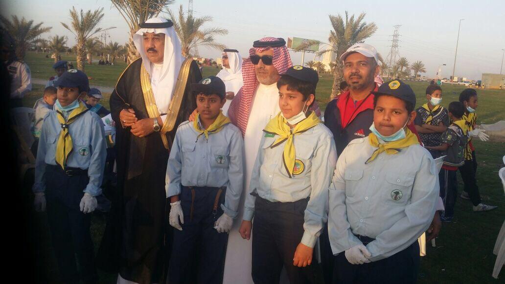 طلاب مدرسة عبدالله بن الرقم الابتدائية بتبوك يشاركون في تنفيذ البرنامج الوطني لحماية البيئة