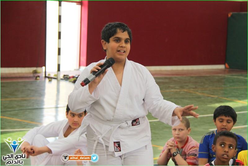 نادي الحي بالدلم يقيم محاضرة بعنوان (الإفطار الصحي)