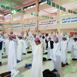 بالصور ..تعليم الرس ونادي الحزم يحفزان الطلاب للعودة للمدارس