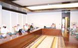 """محافظ الدرعية يستقبل مدير عام تعليم الرياض ويطلع على سير العملية التعليمية عبر منصة """"مدرستي"""""""